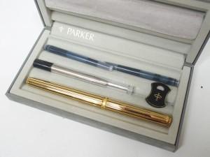 パーカー1